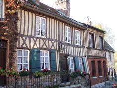 Lyons-la-Forêt   Les plus beaux villages de France - Site officiel
