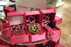 hearts and bows. packaging