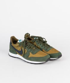 NIKE Internationalist Sneaker MLT green