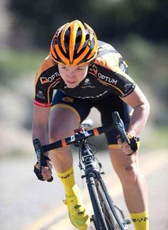 As a beginner mountain cyclist, it is quite natural for you to get a bit overloaded with all the mtb devices that you see in a bike shop or shop. There are numerous types of mountain bike accessori… Cycling Girls, Road Cycling, Cycling Gear, Cycling Jerseys, Triathlon, Cycling Outfit, Cycling Clothing, Ironman, Cycle Chic