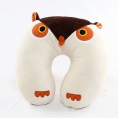 Owl neck pillow.  So cute!