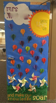 New door decorations kids teacher appreciation 22 Ideas Teacher Appreciation Week, Teacher Gifts, Teacher Door Decorations, Teacher Doors, School Doors, Up Theme, Classroom Themes, Classroom Door, School Fun