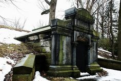 Erie Vampire Tomb. Erie, PA's haunted places.