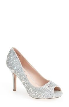 Cinderella Shoes! Yes please! These definitely have the bling factor! #RockYourWedding #wedding