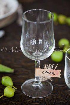 pretty idea for party wine glass identification