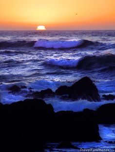 Sunset on The Beach at Big Sur, California – USA. Oh my that's gorgeous!