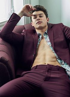 Gay for celebrities looks in 2019 shawn mendes shirtless, sh Shawn Mendes Vogue, Shawn Mendes Fotos, Hot Shawn Mendes, Shawn Mendes Photoshoot, Shawn Mendes Shirtless, Shawn Mendes Imagines, Fitness Workouts, Shawn Mendes Sem Camisa, Fangirl