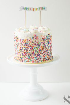 ideas birthday cupcakes for women sprinkles Birthday Cupcakes For Women, Adult Birthday Cakes, First Birthday Cakes, Birthday Cake For Women Simple, Colorful Birthday Cake, Birthday Ideas, Gateaux Cake, Birthday Cake Decorating, Girl Cakes