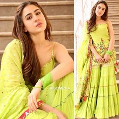 Sara in sharara once again! Bollywood newbie Sara Ali Khan seems to be in love with sharara suits. Sharara Designs, Kurti Designs Party Wear, Sharara Suit, Salwar Kameez, Anarkali Suits, Punjabi Suits, Ethnic Outfits, Indian Outfits, Western Outfits