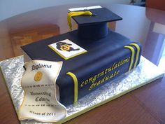 Of course we will have a graduation cake! What's a graduation party without cake? My mom will order this from the local bakery, Helfer's Bakery. College Graduation Cakes, Graduation Party Planning, Graduation Party Favors, Graduation Celebration, Graduation Decorations, Graduation Ideas, Graduation Cookies, Cake Paris, Book Cakes