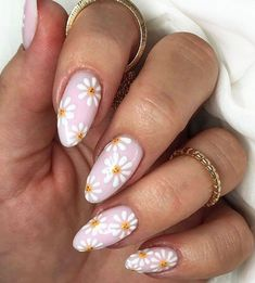 Summer Acrylic Nails, Best Acrylic Nails, Square Acrylic Nails, Daisy Nails, Daisy Nail Art, Floral Nail Art, Almond Nail Art, Almond Acrylic Nails, Nagellack Design
