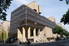 Denys Lasdun and Partners: Institute of Eudcation and advaned Legal Studies Building, London, 1965-78