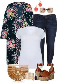 Plus Size Floral Kimono Outfit - Plus Size Spring Summer Outfit Idea - Plus Size Fashion for Women - alexawebb.com #alexawebb