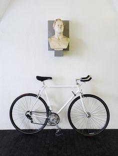 Vintage 70′s Peugeot Cadre Allege Road Bike.