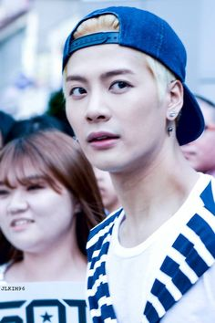 I'm alright, /inhale-exhale*/ NO! I WAS NOT! I'M GOING TO EXPLODE! Blonde Jackson is LIFE! TuT