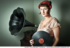 How about amazing live entertainment featuring hand-cranked phonograph record players for your wedding from our sponsor Austin Phonograph Company?! They play 1920s Jazz to Texas Swing in 1930s-era outfits. This would be perfect for a Gatsby wedding or any early 1900s-inspired wedding.