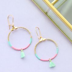 Trendy earrings and bracelets with mini tassels, DQ European metal charms and lobster clasps Diy Tassel, Tassel Jewelry, Bohemian Jewelry, Diy Jewelry, Beaded Jewelry, Jewelery, Handmade Jewelry, Jewelry Design, Jewelry Making