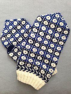 Ravelry: Kadrina kindad pattern by Dagmar Säkäjärvi