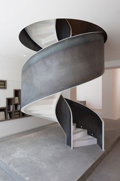 Image 4 of 20 from gallery of Leila Heller Gallery / L. Photograph by Street Studio Staircase Handrail, Interior Staircase, Curved Staircase, Stairs Architecture, Staircase Design, Interior Architecture, Spiral Staircases, Metal Stairs, Painted Stairs