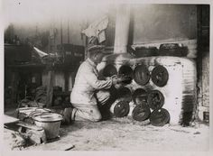 WORLD WAR ONE WW1 ORIGINAL PHOTO - OIL DRUMS AS IMPROVISED OVENS ITALY