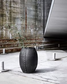 Dacarr by Muubs is a series of multifunctional baskets made of recycled rubber from car tires. Use the baskets outdoor and indoor. Tyres Recycle, Outdoor Pots, Recycled Rubber, House Doctor, Outdoor Storage, Barrel, Recycling, Indoor, Vase
