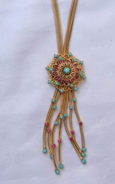 Vintage Unsigned Hobe Gold Tone Tassel Necklace Earring Pink Ruby Rhinestone