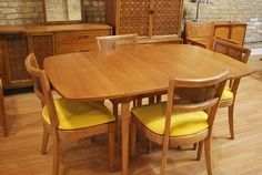 Drexel Dining Table & Chairs
