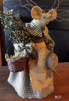 Primitive Springtime Sweet Annie Mouse by buttermilkcreekfarm, $38.00