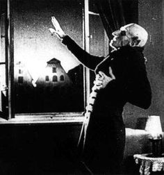 Nosferatu (aka Nosferatu: A Symphony of Horror, or Nosferatu: A Symphony of Terror) was originally released in 1922 by director F. Murnau, a bigwig of the silent film era who was famous for his expressionist technique. Tv Movie, Sci Fi Movies, Scary Movies, Creepy Vintage, Vintage Horror, Vintage Halloween, Silent Horror, Silent Film, Nosferatu 1922