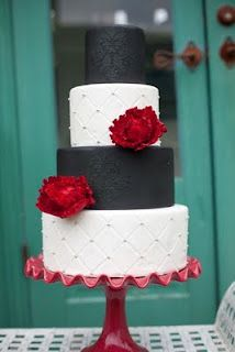 you know how we love our black, white, gray with pops of red and/or blue!  :)