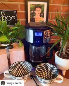Interiors Magazine, Drip Coffee Maker, Cooker, Kitchen Appliances, Blog, Instagram, Diy Kitchen Appliances, Home Appliances, Appliances