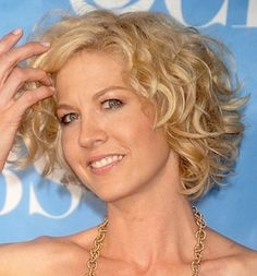 The best short hairstyle for round faces and curly hair is the bob.