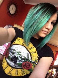 Gorgeous green with dark roots