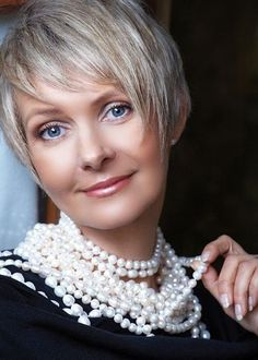 20 Short Hairstyles for Older Women: Cute Haircuts for Fine Hair