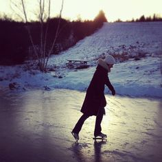 Skate on a frozen pond.someday I will do this!!!!