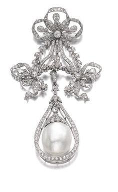 Diamond Brooches Natural pearl and diamond brooch/pendant, early century, Suspending an oval natural pearl measuring approximately x x Art Deco Jewelry, Pearl Jewelry, Jewelery, Fine Jewelry, Jewelry Design, Pear Shaped Diamond, Oval Diamond, Diamond Cuts, Edwardian Jewelry