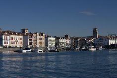 Port de St-Jean de Luz (Pyrénées Atlantiques) vu du quai Maurice Ravel (Ciboure)