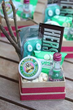 Atlanta Wedding Gift Bag Ideas : ... Girls weekend gifts, Best chick flicks and Paper bag flowers