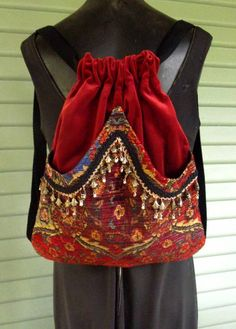 original backpack made with a red brick cotton velvet. Handmade original backpack made with a red brick cotton velvet. Ethnic Bag, Red Backpack, Denim Purse, Fabric Bags, Cotton Velvet, Kids Bags, Messing, Handmade Bags, Beautiful Bags