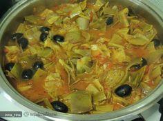 Spaghetti cu Anghinare (Spaghetti Con Carciofi) Thai Red Curry, Spaghetti, Favorite Recipes, Ethnic Recipes, Noodle