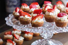 Rezept für Low Carb Vanille-Cupcakes Frosting ohne Butter - kohlenhydratarm, kalorienarm, ohne Zucker und Getreidemehl gebacken. www.ihr-wellness-magazin.de