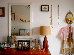 String Lights For Dressing Table : 1000+ images about Vanity on Pinterest Vanities, Dressing Tables and Makeup Storage