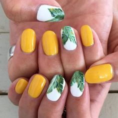 19 Lovely Summer Beach Nails Art Ideas