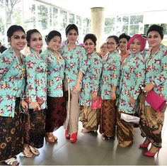 Kebaya Flowers Family