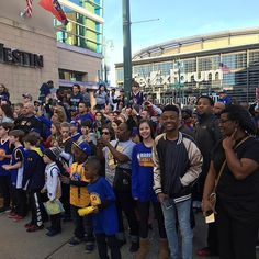Stephen Curry strong in Memphis Happy Hour Party, Instagram And Snapchat, Stephen Curry, Golden State Warriors, Basketball Players, Memphis, Strong, Photo And Video, Celebrities