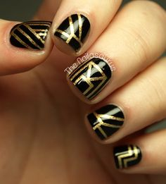 Gatsby-themed gold and black nail art #wedding #gold #artdeco #gatsby #nailart
