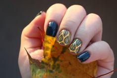 Красота на кончиках пальцев: China Glaze Well Trained & Metro Pollen-Tin + стемпинг Moyou London