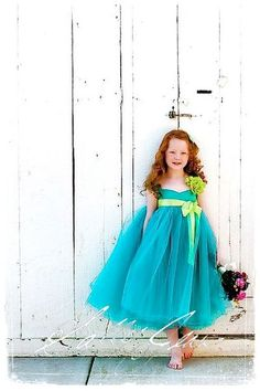 I just can't wait to share these photos with you! Because these are flower girls! Yeah, many of us invite kids to the celebration – ring bearers and flower girls – as they make any occasion cuter and the atmosphere sweeter. Toddler Flower Girls, Toddler Flower Girl Dresses, Flower Girl Tutu, Trendy Dresses, Fashion Dresses, Girls Dresses, Diy Fashion, Turquoise Dress, Tutus For Girls