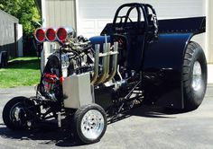 "Thumbs up?  ""377 c.i. Blown,injected small block Chevy. Crower glide slipper clutch, SCS gearbox and a F-106 rear end with a TRB aluminum center. Built by Advanced Chassis in Antwerp, Ohio.""  -Bill Ewing and His 2016 Mini Modified Pulling Tractor #thumbsupthursday"