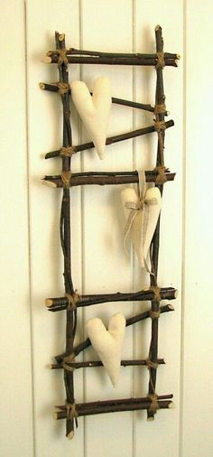 Decoration ladder Twig Crafts, Nature Crafts, Diy And Crafts, Arts And Crafts, Rama Seca, Twig Art, Deco Nature, Creation Deco, Primitive Crafts